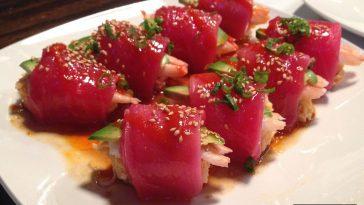 9099be1b hawaii sushi 364x205 - ハワイで楽しむ本格派&アメリカ風の寿司