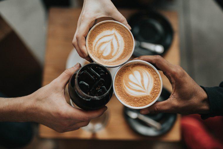 21e517c0 hawaii coffee 758x505 - お洒落なカフェでプチブレイク! ハワイにあるお洒落なカフェ10選